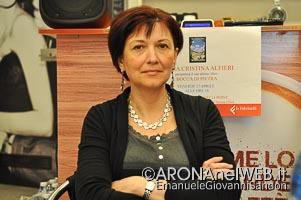 FirmadAutore_FeltrinelliPointArona_MariaCristinaAlfieri_20150417_EGS2015_08829_s