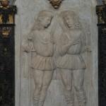 Chiesa dei Santi Martiri - rilievi marmorei dei martiri a sinistra dell'altare