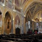Chiesa dei Santi Martiri - interno della chiesa con esposizione delle reliquie