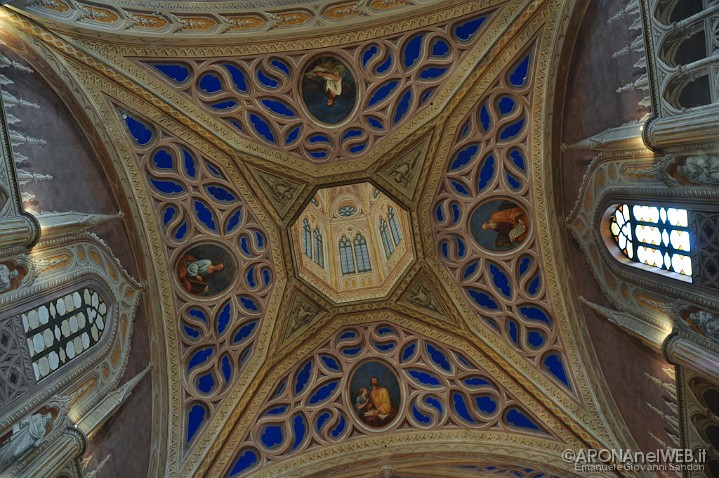 Chiesa dei Santi Martiri - particolare soffitto e tela