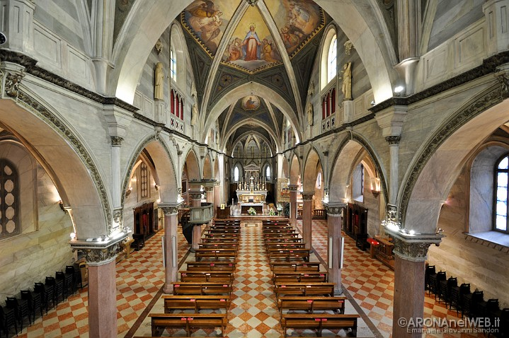 Chiesa di Santa Maria - interno navata centrale vista dall'organo