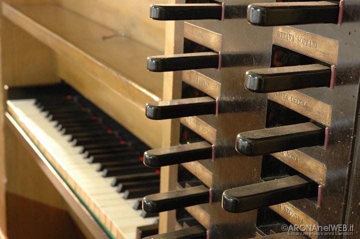 organo Monastero della Visitazione - tastiera e registri
