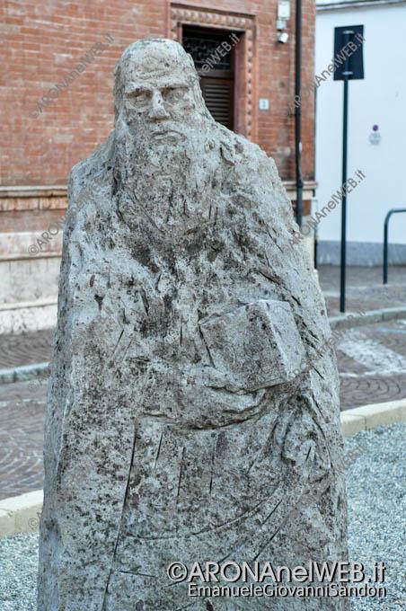 EGS2015_00463   Statua di Leonardo da Vinci ma sarà ad Expo?