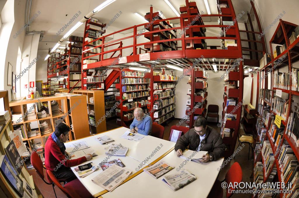 "EGS2016_06460 | Biblioteca civica ""CarloTorelli"" di Arona - sala quoditiani"