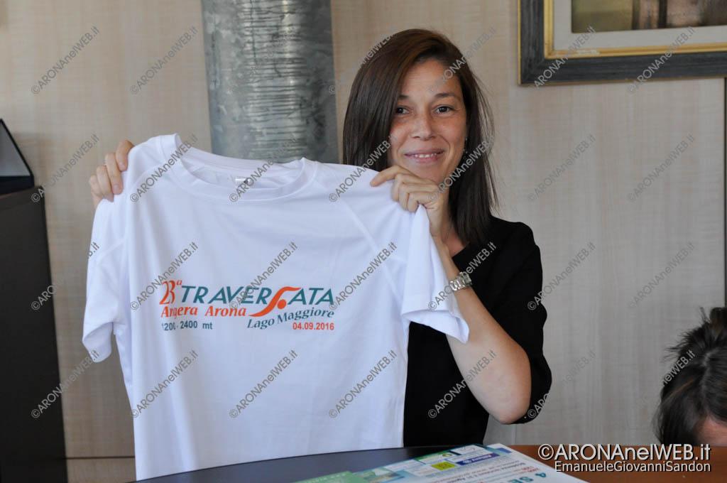 EGS2016_20226   La maglietta della 23° Traversata Angera-Arona