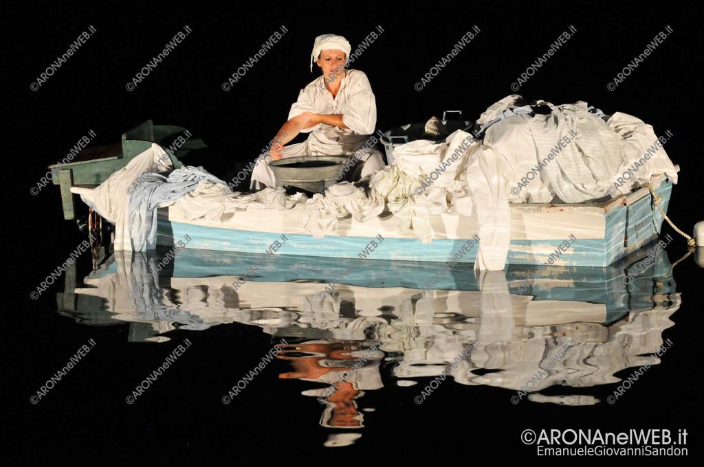 EGS2016_27794   Arona che Vola. I deliri di San Carlo - Valentina Turrini, la lavandaia Filomena