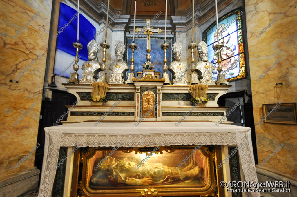EGS2016_30216   Altare Chiesa di San Vittore - Isola Bella
