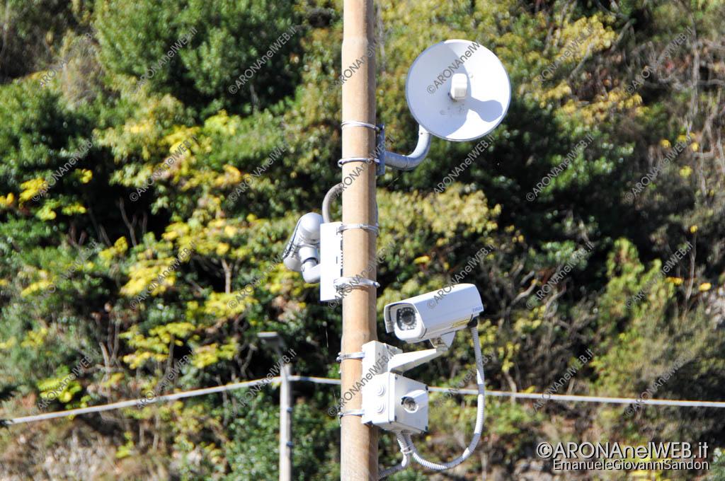 EGS2016_33148 | Antenne e telecamere di videosorveglianza in via Poli