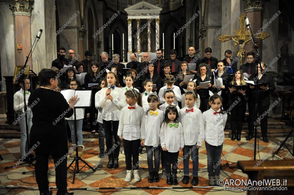 EGS2017_04895   Il coro San Giorgio con i San Giorgini