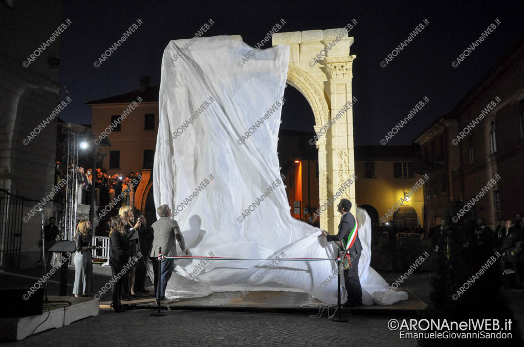 EGS2017_11012   Inaugurazione dell'Arco di Palmira ad Arona
