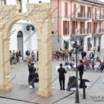 EGS2017_13786 | Doctor Brass Quintet in piazza San Graziano ad Arona all'ombra dell'arco di Palmira