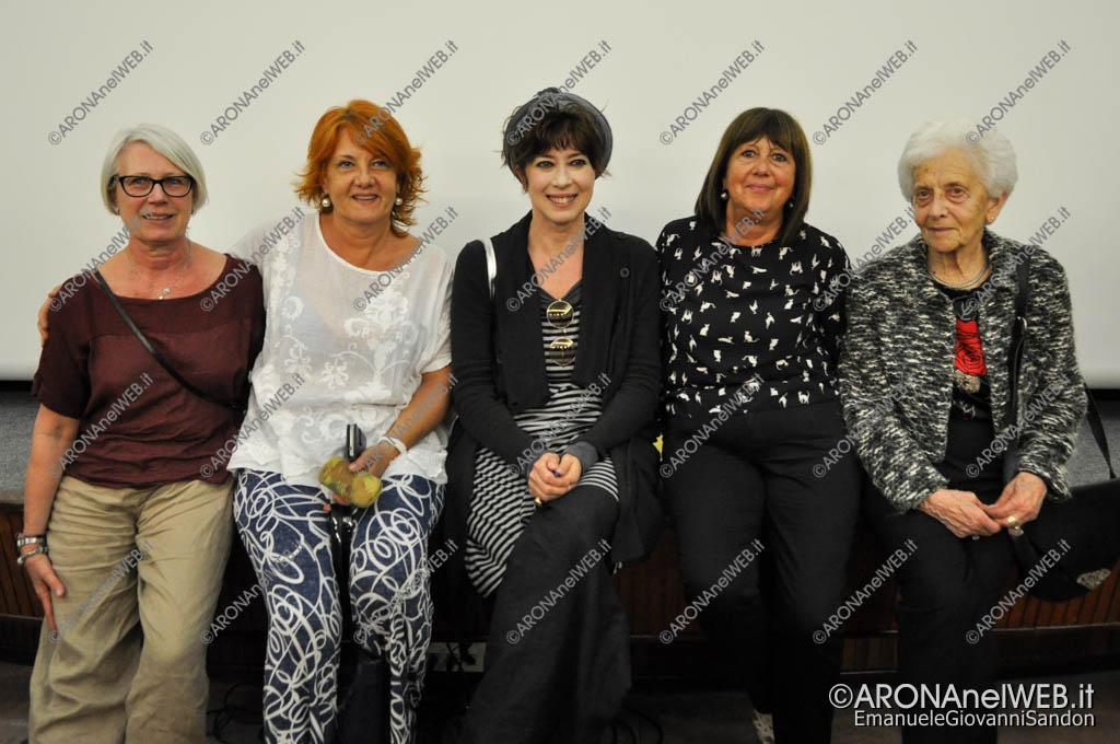 EGS2017_15133 | Veronica Pivetti con alcuni membri della Consulta Femminile di Arona