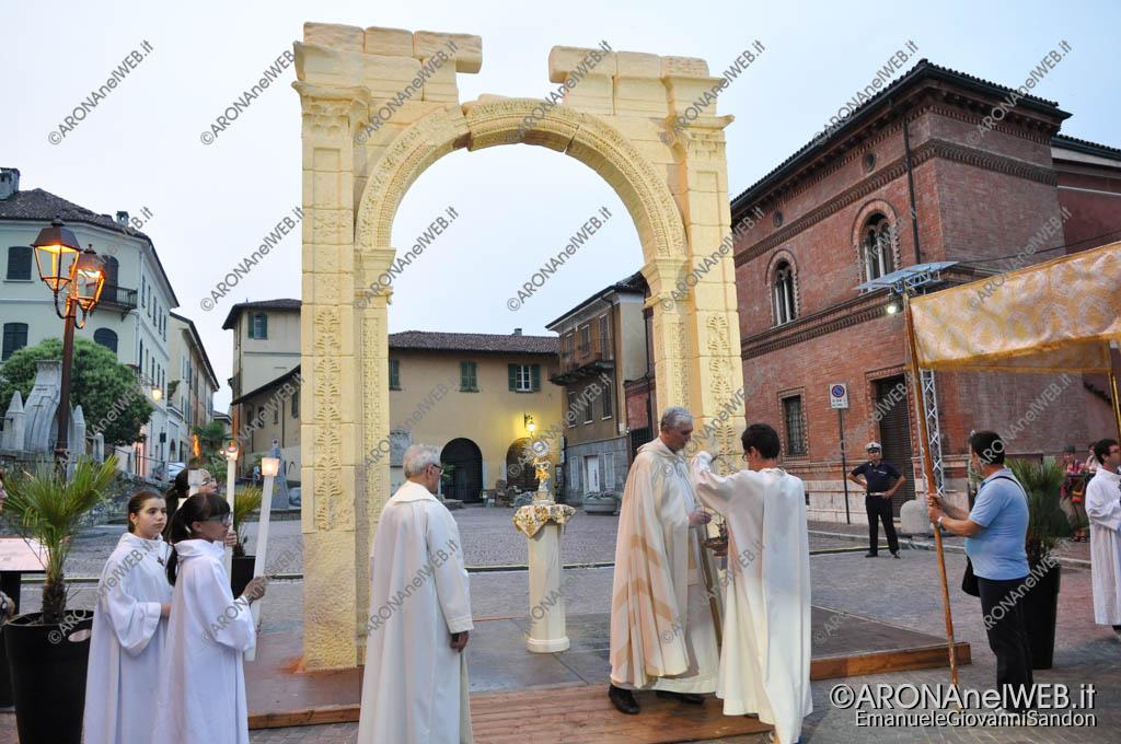 EGS2017_18048 | Processione del Corpus Domini con sosta all'arco di Palmira