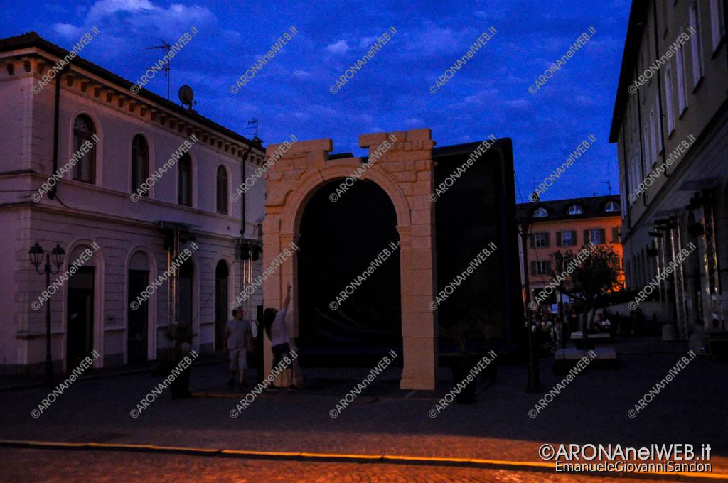 EGS2017_21657 | La riproduzione 3D dell'Arco di Palmira lasciata al buio