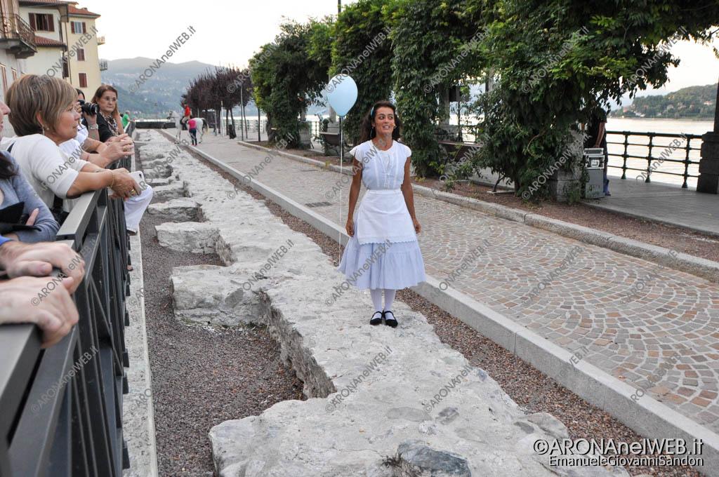 """EGS2017_27290   Alice sulle mura della città in """"La Centaura"""" - Teatro sull'Acqua 2017"""