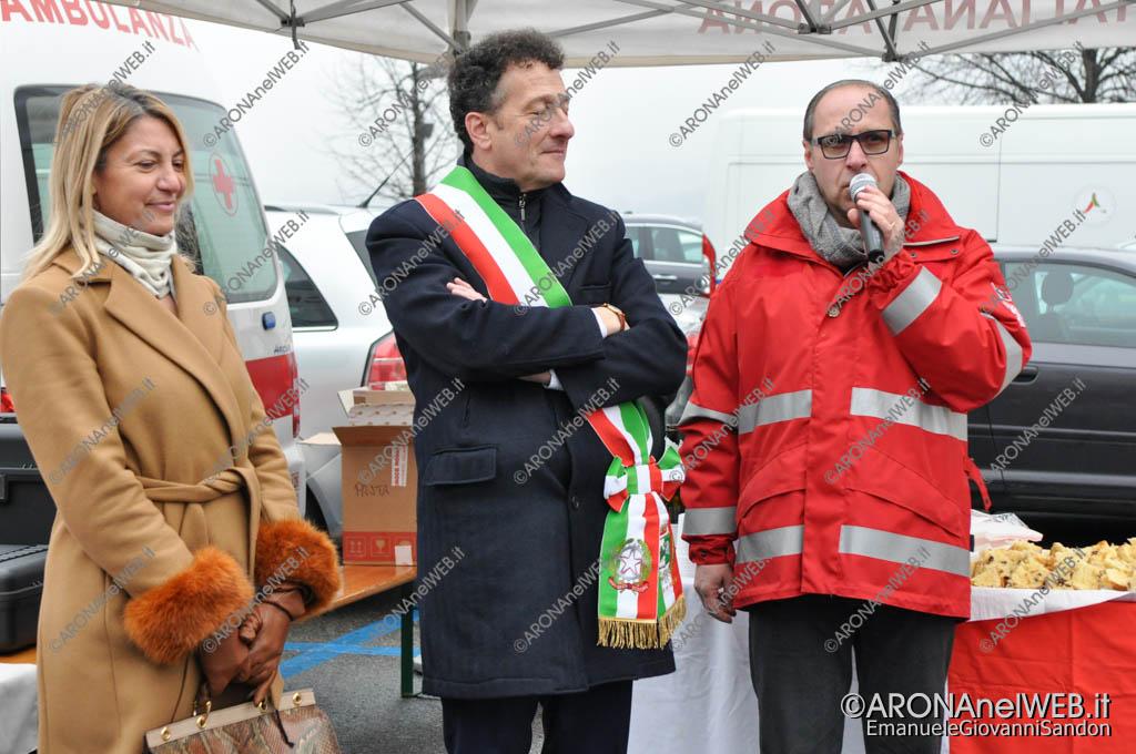 EGS2018_00020 | Michele Giovannetti, presidente della Cri Arona con i sindaci Lorena Vedovato e Alberto Gusmeroli