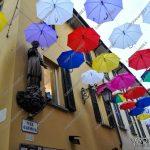 EGS2018_03455 | La statua del Sancarlino con gli ombrelli sospresi #undercoloursarona18
