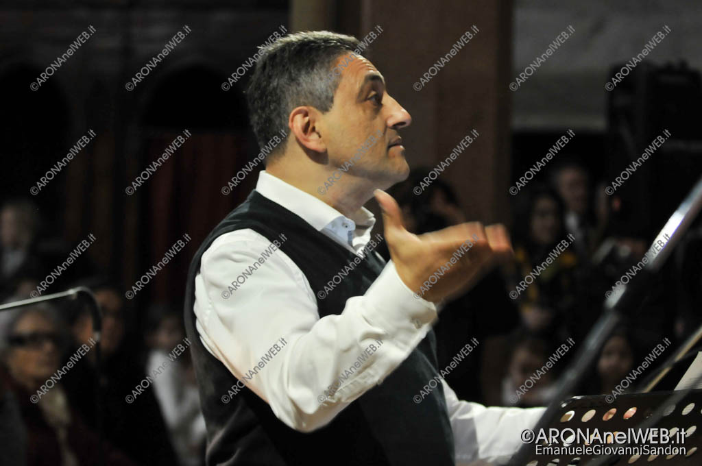 EGS2018_03690   Rino Adamo, direttore del Coro Tre Ponti