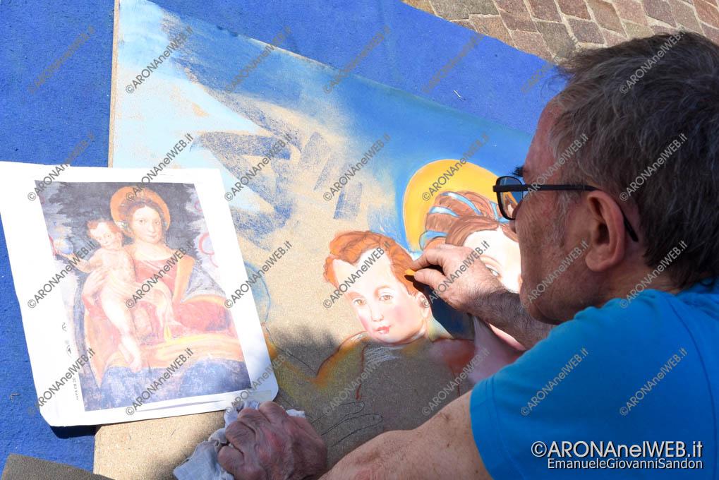EGS2018_16861 | I Madonnari di Bergamo riproducono il dipinto della Madonna della Cintura