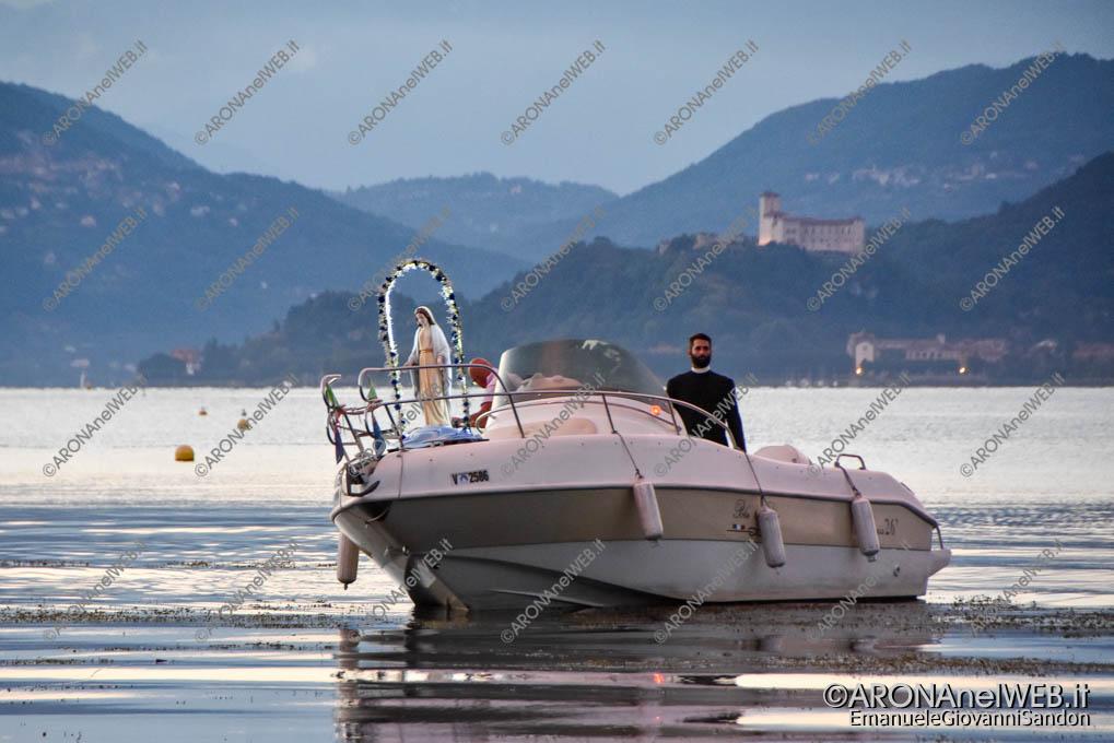 EGS2018_26684 | La madonna arriva dal lago alla spiaggia della Verbanella