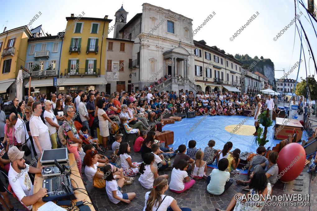 """EGS2018_31268   Teatro di strada con """"Capucine"""" al Festival Teatro sull'Acqua"""