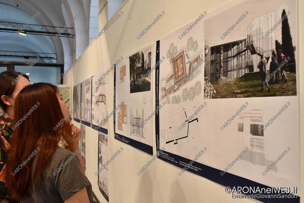 """EGS2018_33239 