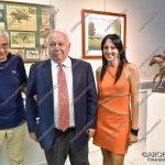 """EGS2018_34171   Silvia Ceffa curatrice della mostra """"Ricordando Ribot"""" con Antonio Guccione e Franco Castelfranchi"""