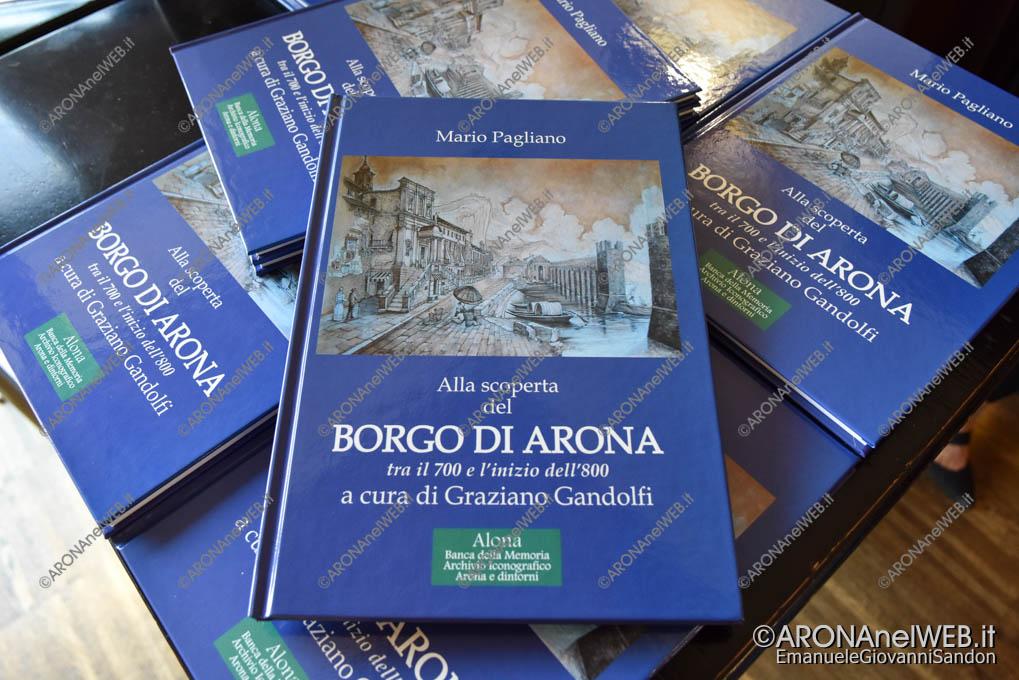 """EGS2018_34669   Il libro di Mario Pagliano """"Alla scoperta del Borgo di Arona tra il 700 e l'inizio dell'800"""" a cura di Graziano Gandolfi"""