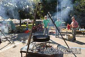 fotoCastagnata_AlpiniArona_LargoAlpini_20181007_EGS2018_35360_s