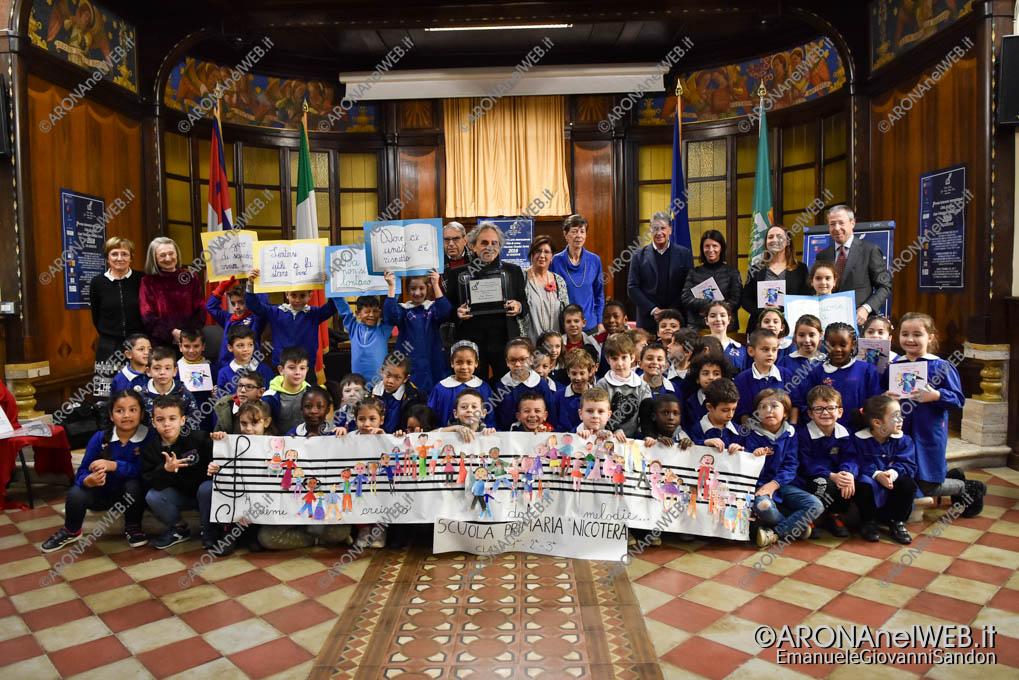 EGS2018_41186 | Ugo Nespolo con i ragazzi della scuola primaria Nicotera di Arona