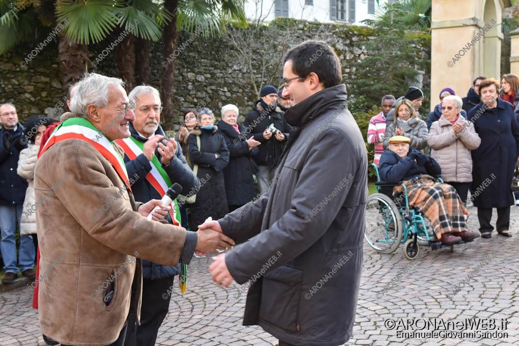EGS2018_42123   Il saluto con il sindaco di Belgirate, Valter Leto