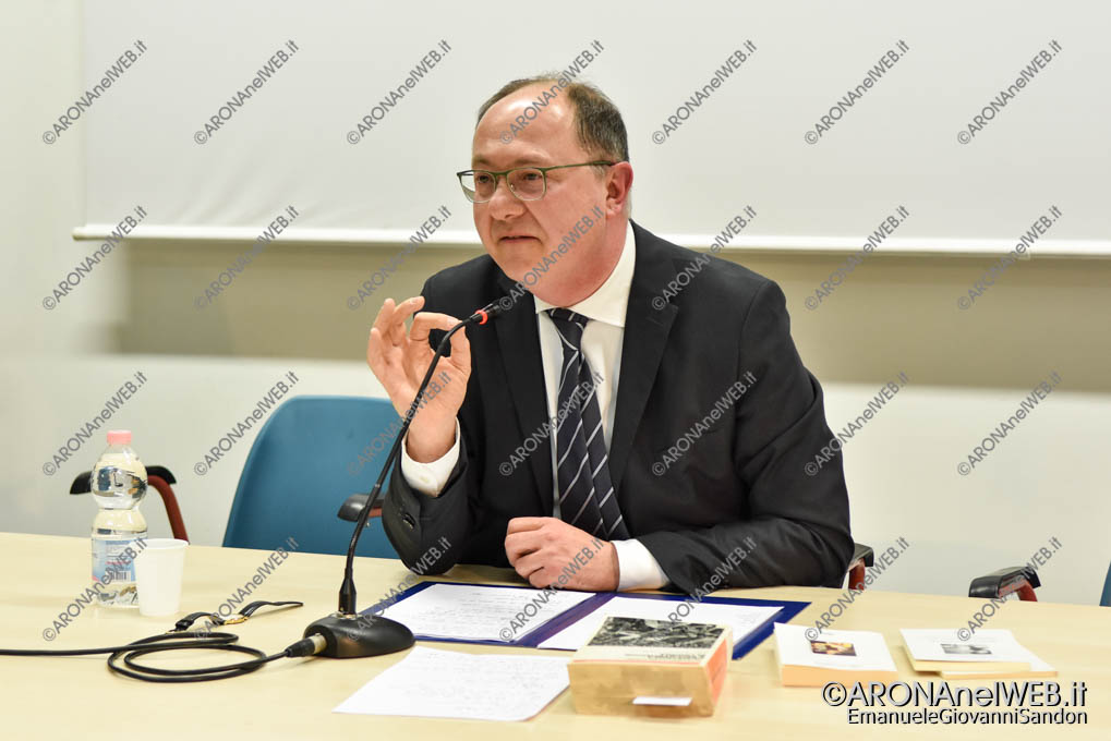 EGS2019_01347 | Incontro con il prof. Giovanni Cerutti - La Notte Nazionale del Liceo Classico al Fermi di Arona