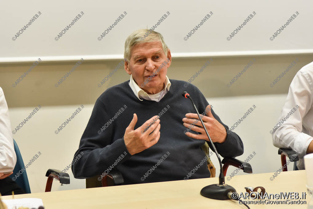 EGS2019_01490 | Incontro con il prof. Giannino Piana - La Notte Nazionale del Liceo Classico al Fermi di Arona