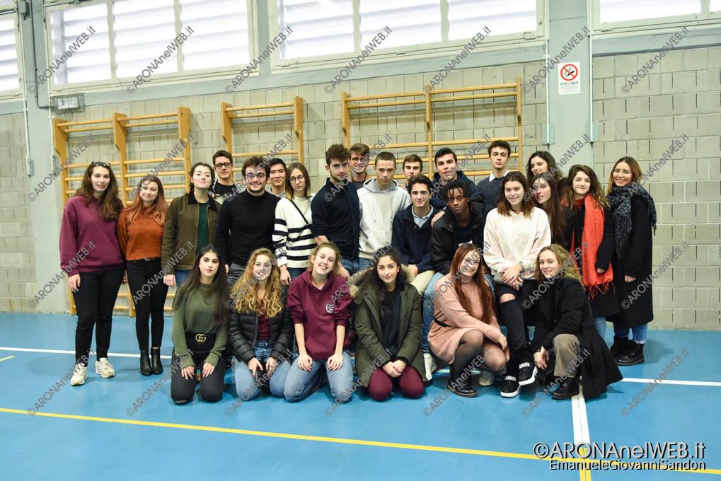 EGS2019_01978 | I tutor, gli alunni del Fermi che hanno accompagnato i visitatori all'Open Day dell'Istituto