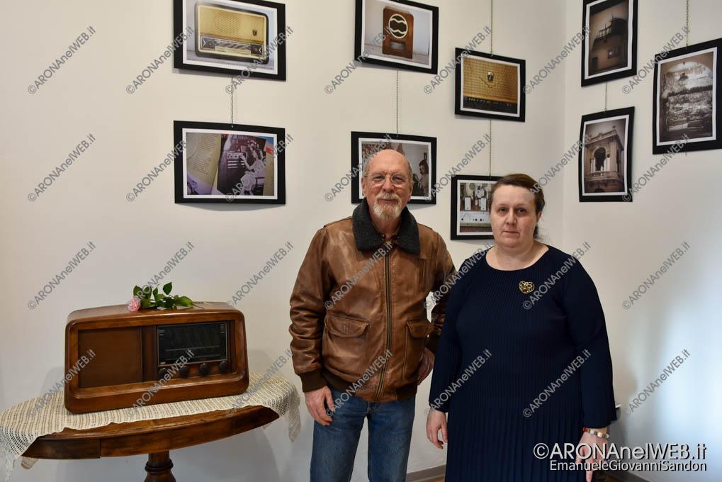 "EGS2019_06744 | Massimo Marini ed Erminia Guaschino - Mostra ""Radio & Foto d'epoca di Arona"""