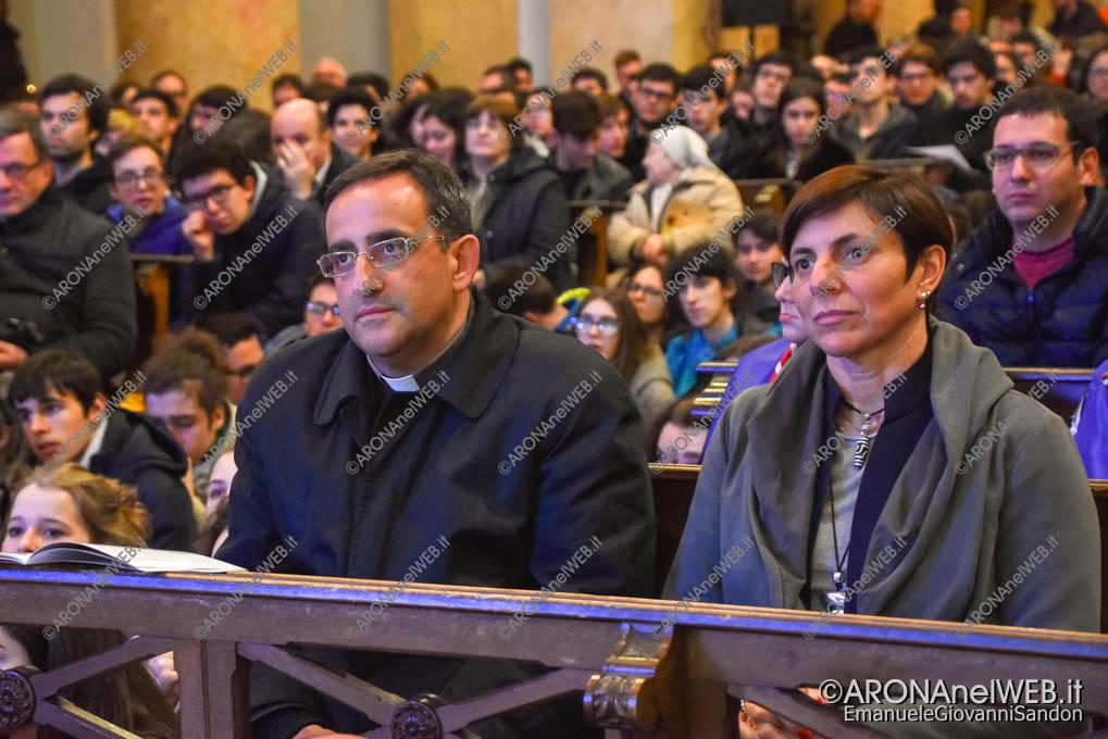EGS2019_10263 | don Gianmario Lanfranchini parroco di Omegna con Sabrina Proserpio Assessore di Omegna