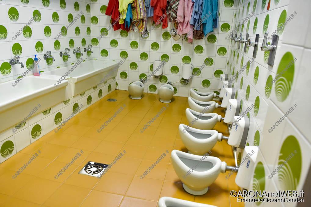 EGS2019_14871 | I servizi igienici che saranno ristrutturati durante il periodo estivo