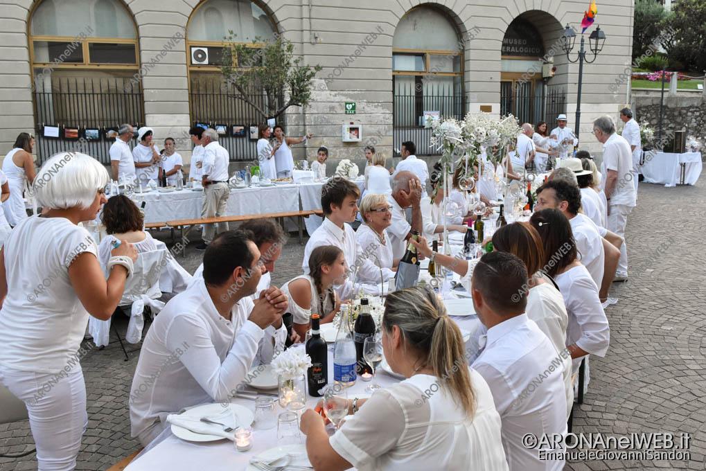 EGS2019_20848 | Cena in bianco in piazza San Graziano