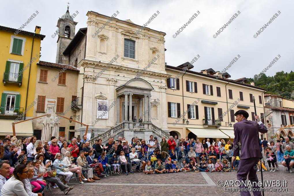 """EGS2019_33024   Teatro di strada """"Equilibrium Tremens"""" al Festival Teatro sull'Acqua"""