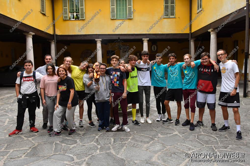 EGS2019_34827 | I tedofori che hanno portato la fiaccola dal Sacro Monte di Orta