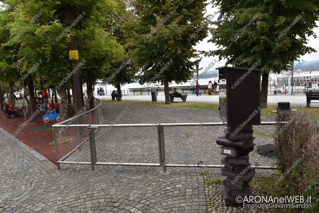 EGS2019_37054   Casetta portalibri al parco giochi