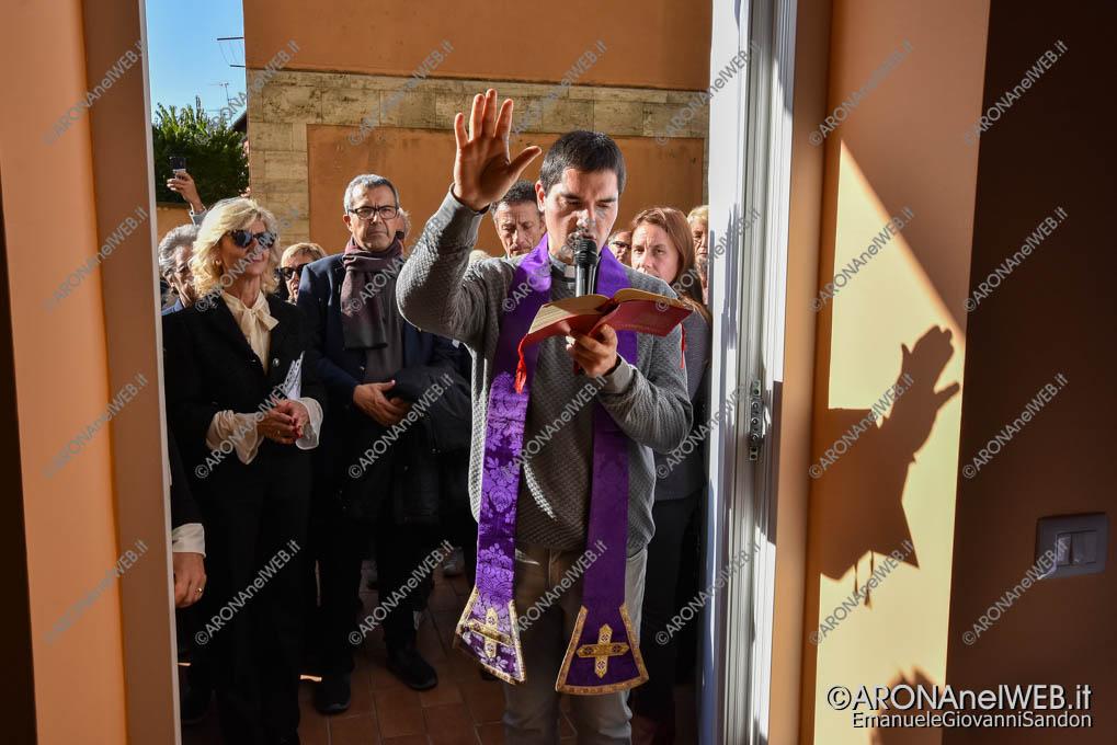 EGS2019_38399 | La benedizione con don Gianluca De Marco