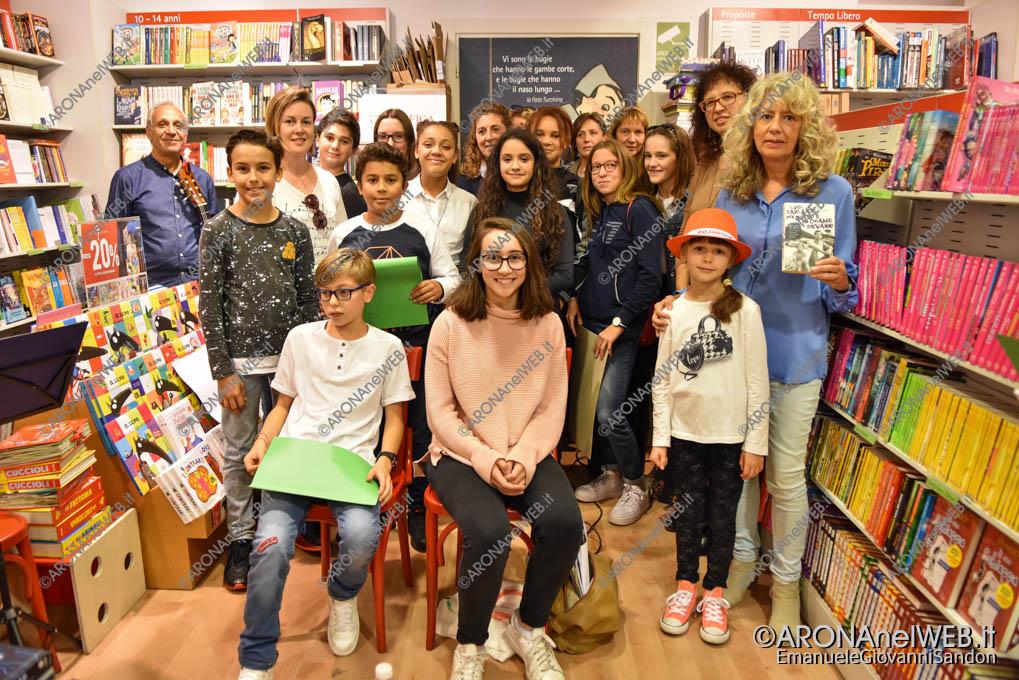 EGS2019_38506   Io leggo perchè: gli studenti del Curioni di Romagnano alla Feltrinelli point di Arona