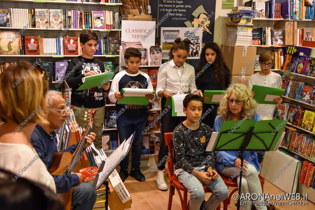 EGS2019_38519   Io leggo perchè: gli studenti del Curioni di Romagnano alla Feltrinelli point di Arona