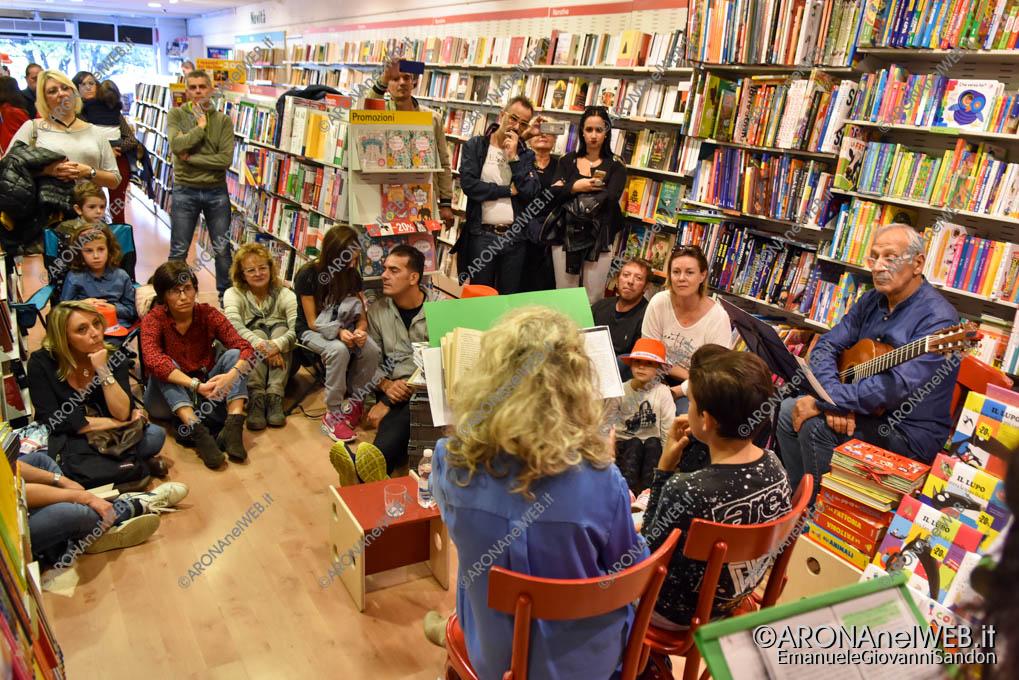 EGS2019_38525   Io leggo perchè: gli studenti del Curioni di Romagnano alla Feltrinelli point di Arona