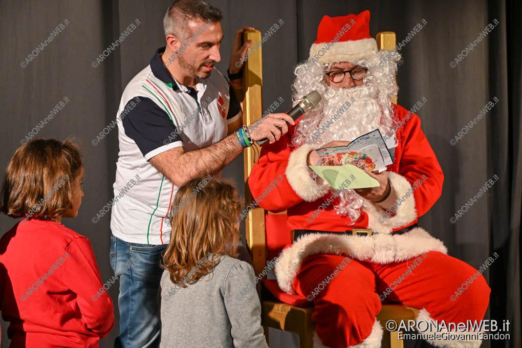 EGS2019_43284 | Babbo Natale legge una letterina
