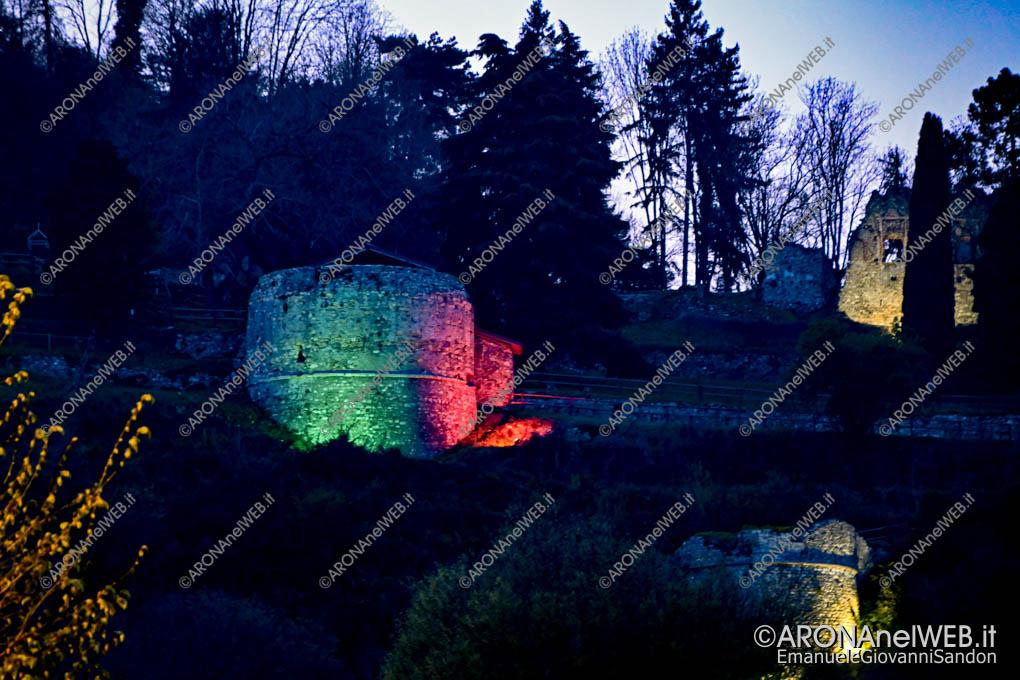 EGS2020_04547 | La Rocca di Arona si illumina con il tricolore