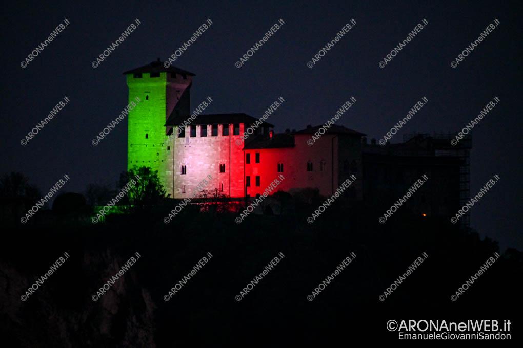 EGS2020_04569 | La Rocca di Angera si illumina con il tricolore