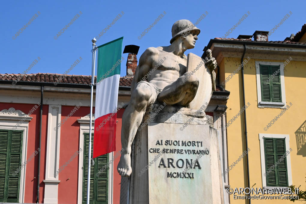 EGS2020_05801 | Arona, Monumento ai Caduti - Piazza de Filippi