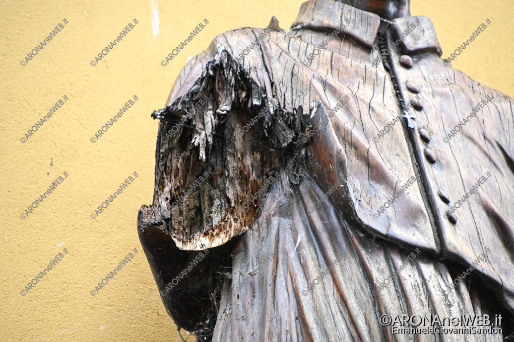 EGS2020_06482 | Particolare della statua del San Carlino ad Arona senza il braccio